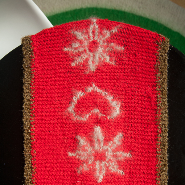 Knitted Christmas table runner