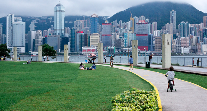 west-kowloon-waterfront_hong-kong-kids