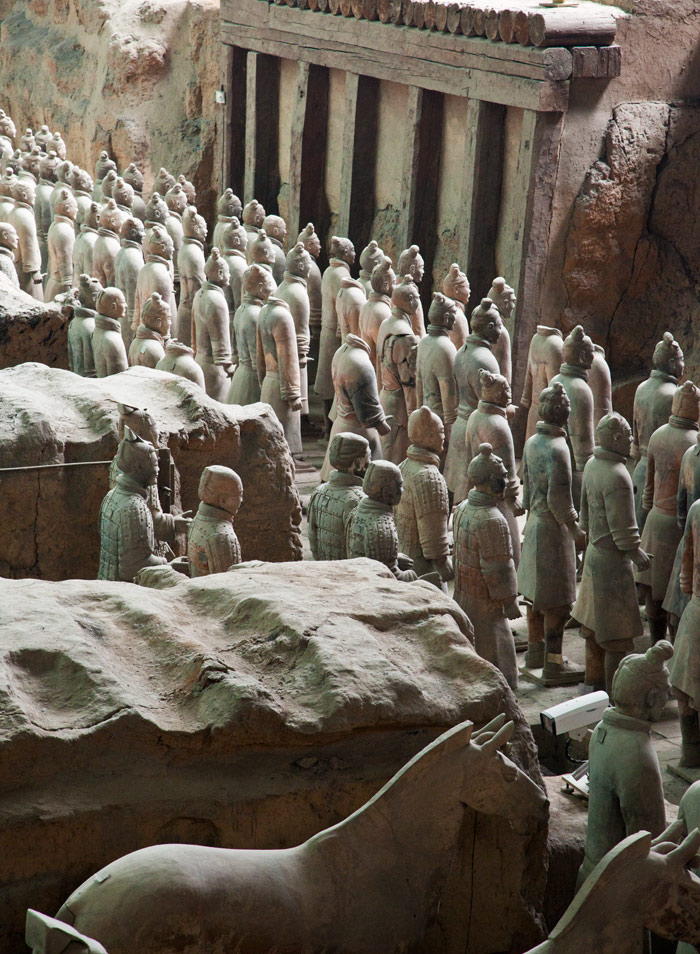 xian-terracotta-army-china-kids_2