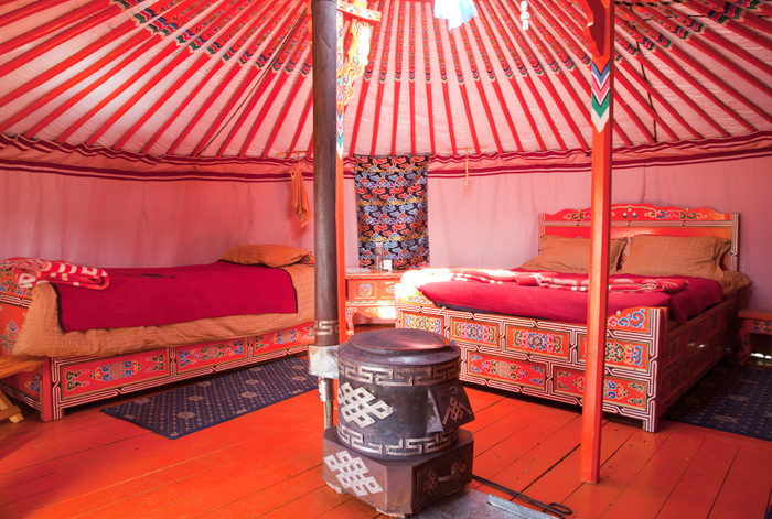 mongolia-luxury-ger-camp_7