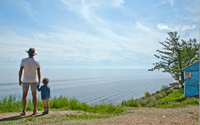 trans-siberian-with-kids-lake-baikal-listvyanka