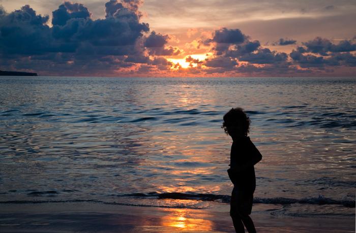 bali-sunset-kids