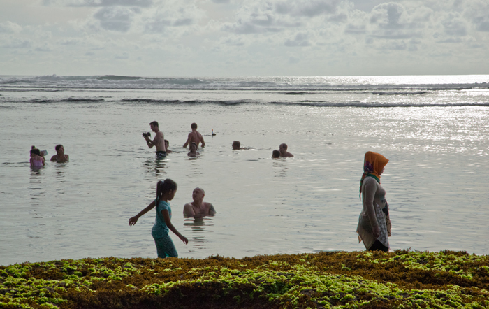 bali-with-kids-uluwatu-beach_1