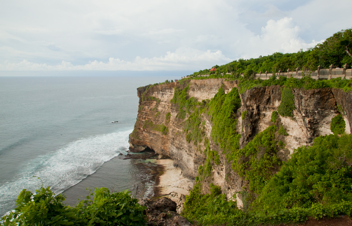 bali-with-kids-uluwatu-beach_2