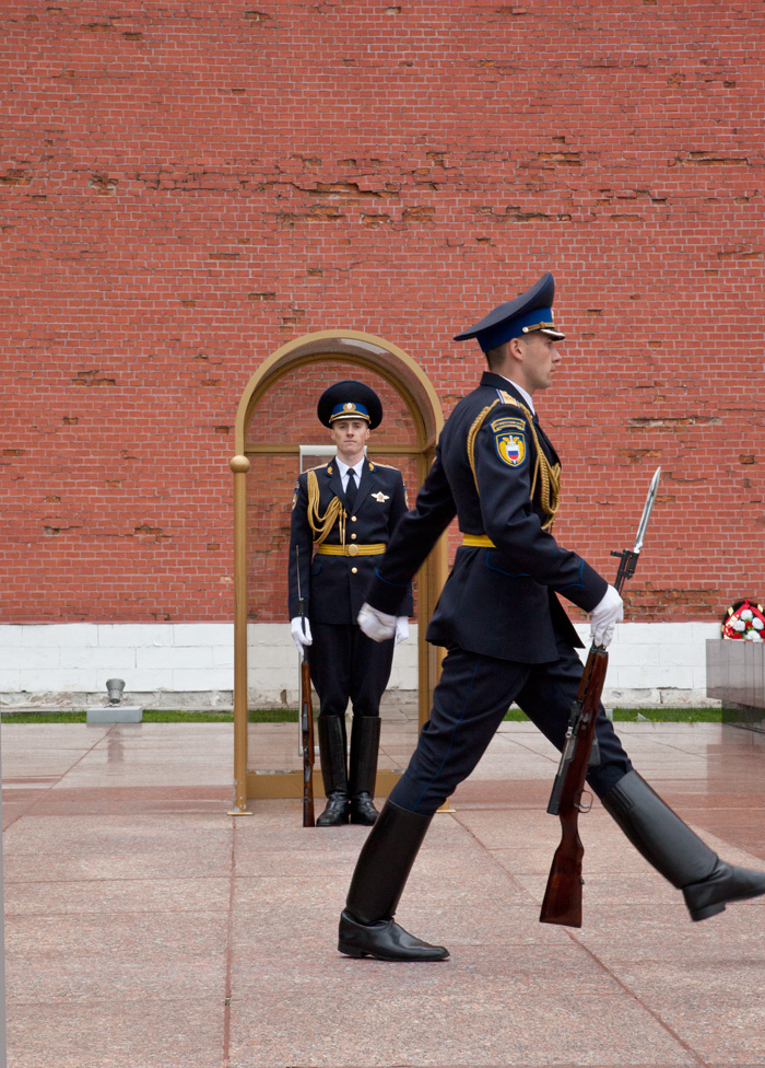 changing-of-guards-moscow1